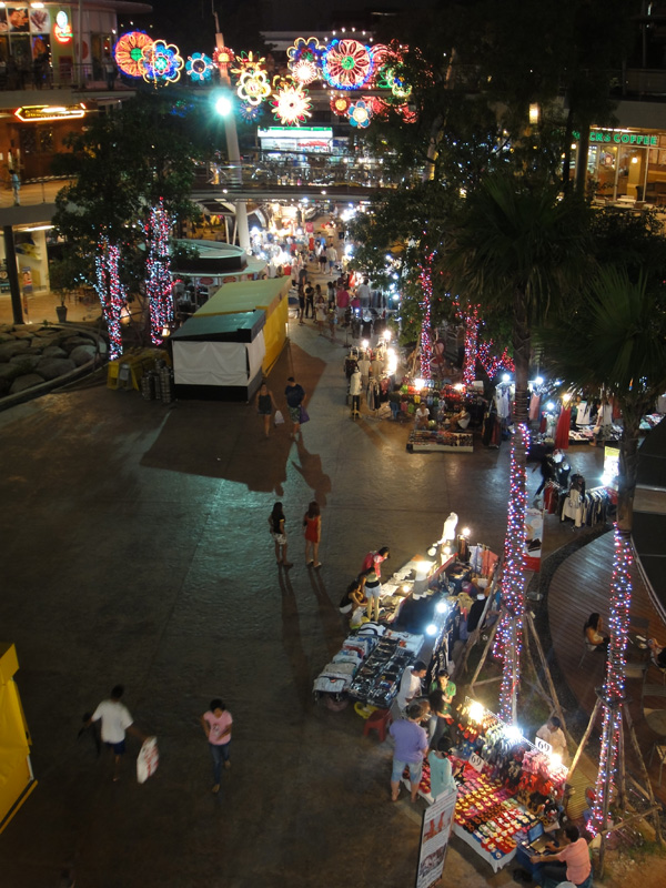night avenue pattaya