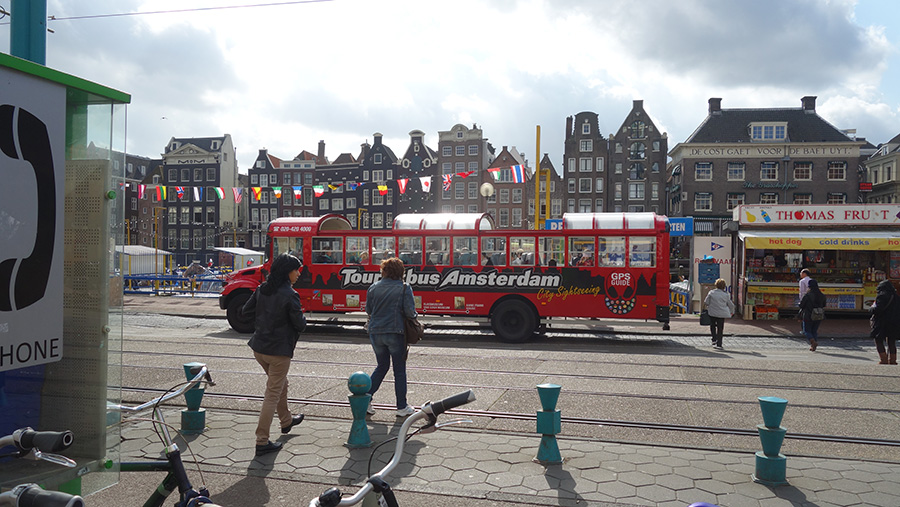 tour bus Amsterdam